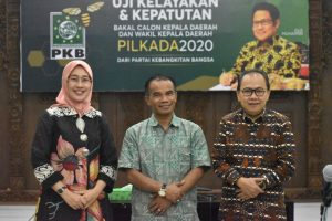 Sein SBN(Tengah) foto dengan DPP. PKB