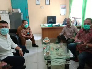 Anggota DPRD Sumut di ruang kerja Dinkes Madina/dita