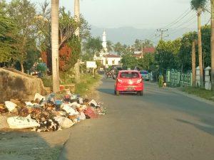 Sampah di Kel. Sipolu - polu