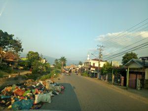 Sampah di Sipolu - polu