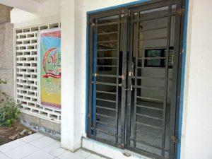 Pintu kantor camat